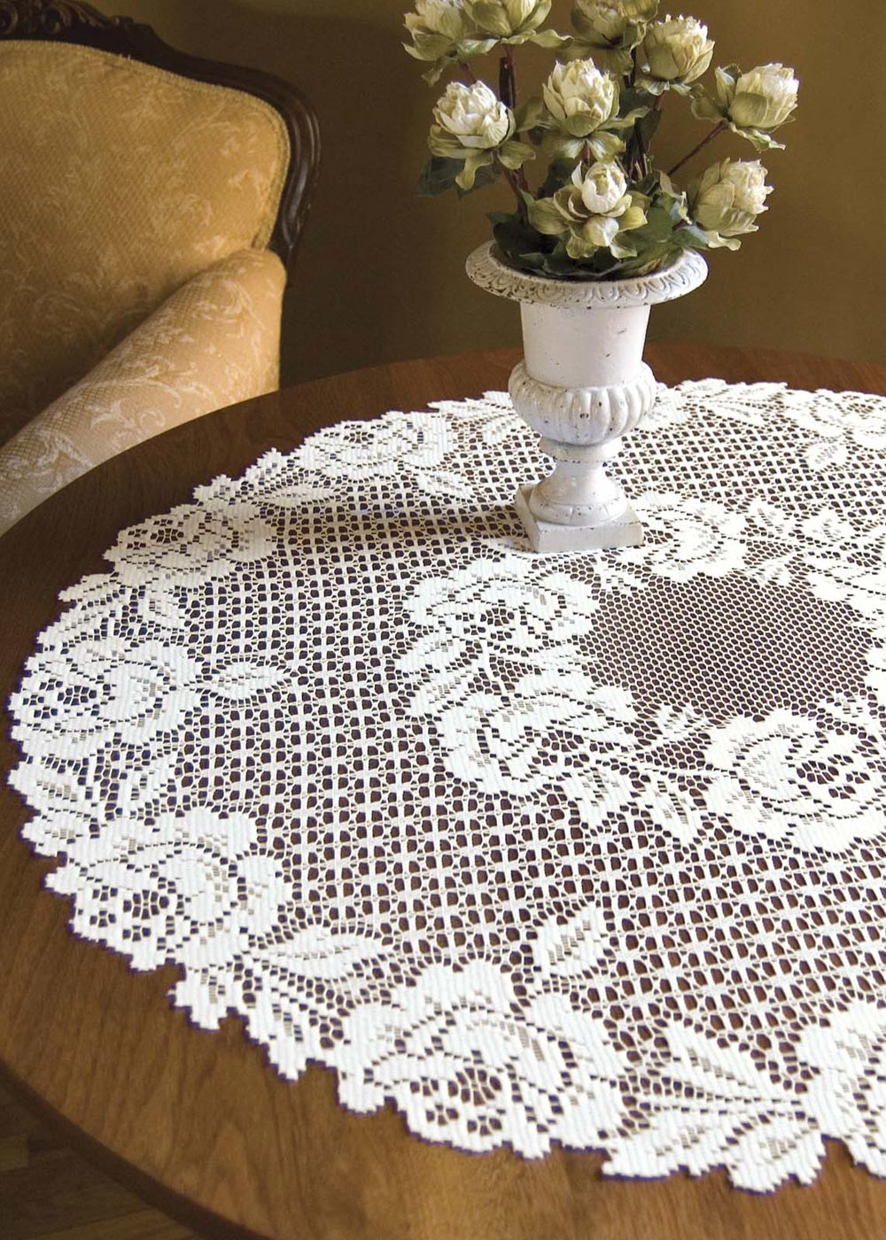 Cottage Rose Round Table Topper Heritage Lace