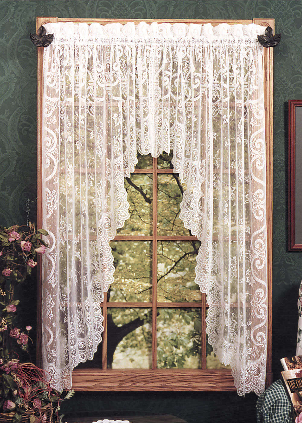 English Ivy Swag Pair Heritage Lace